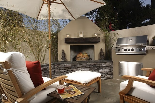 outdoor kitchen installer